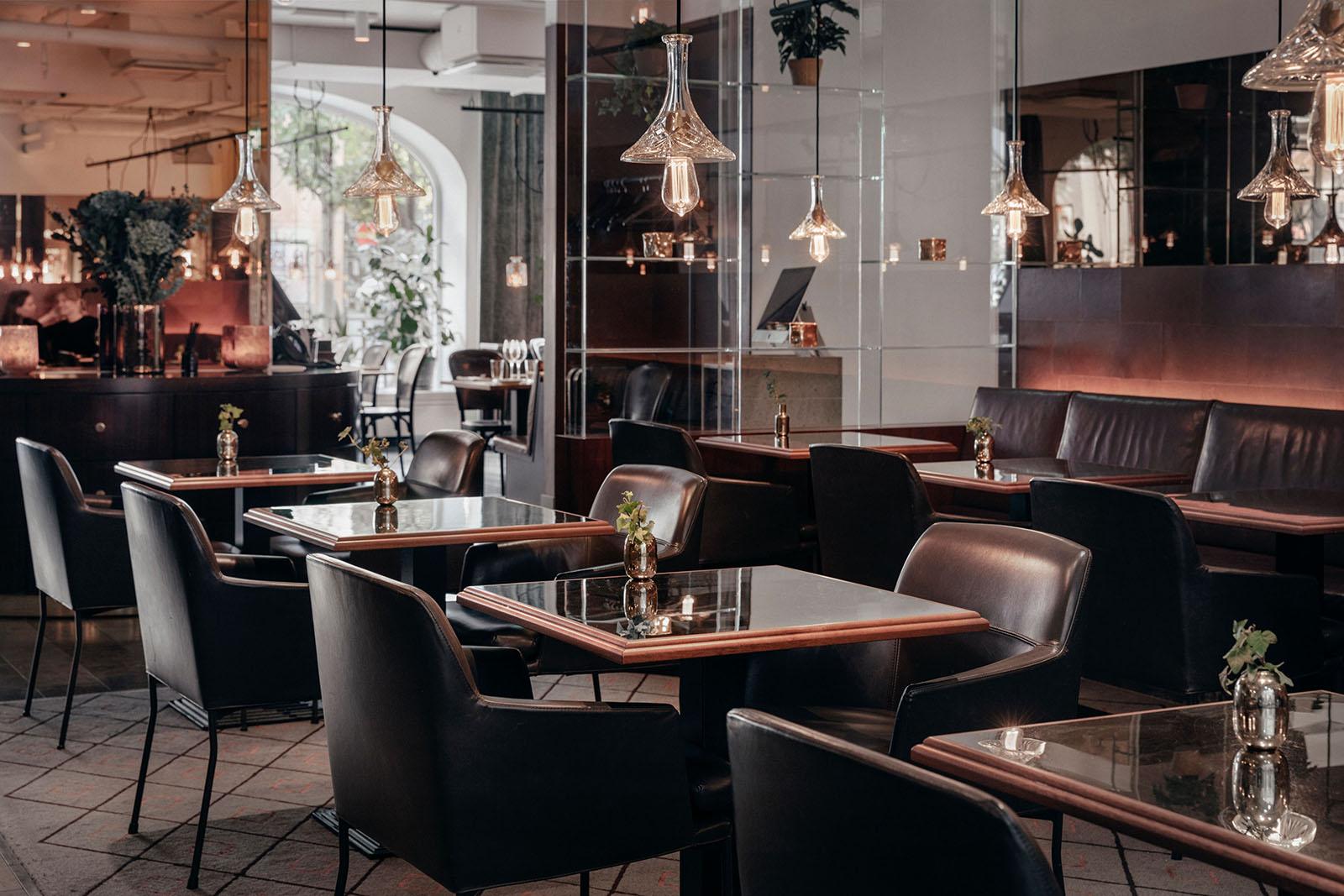 Med specialisering på ljusdesign i Stockholm, kan vi skapa magi i allt vi gör! Oavsett om ni önskar hjälp med belysning i er bostad eller på er restaurang, som här!