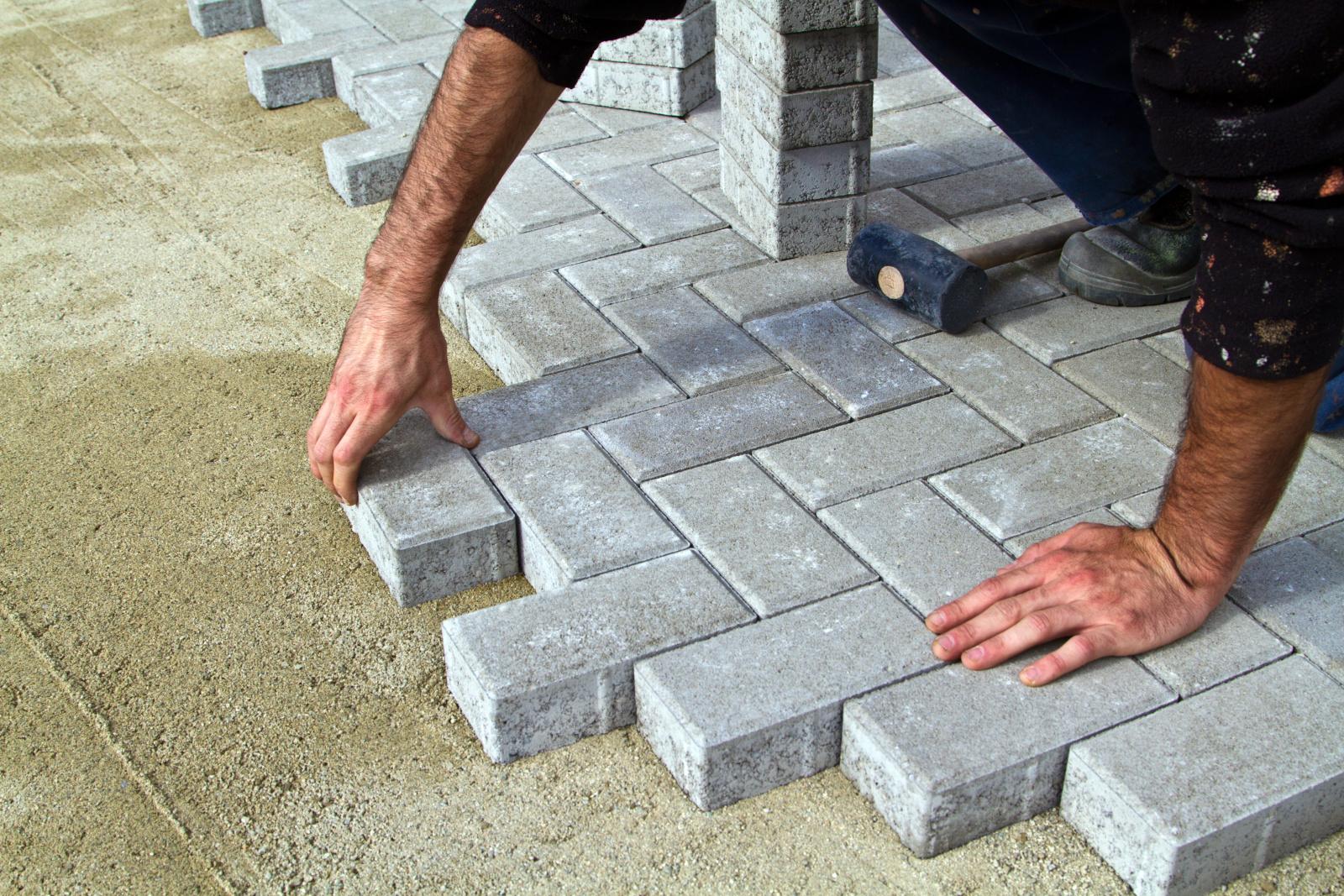 Guten Entreprenad är ett familjeägt företag som utför allt inom stenläggning i Stockholm