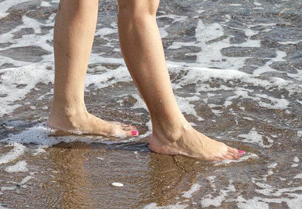 ben på stranden