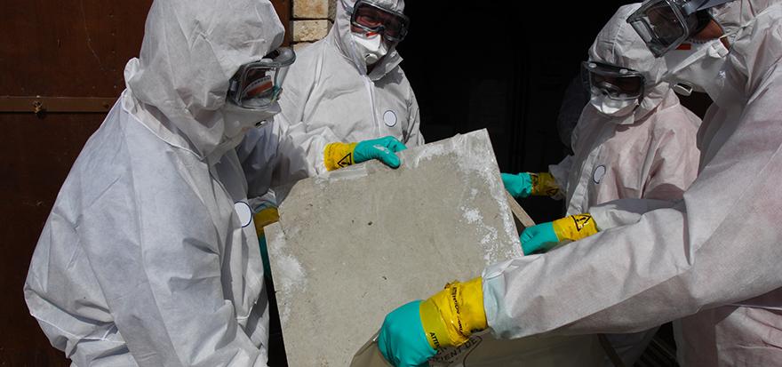VI utför asbestsanering i Dalarna.