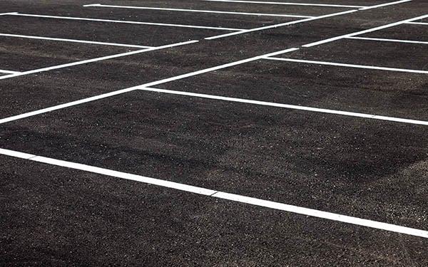 asfaltera uppfart