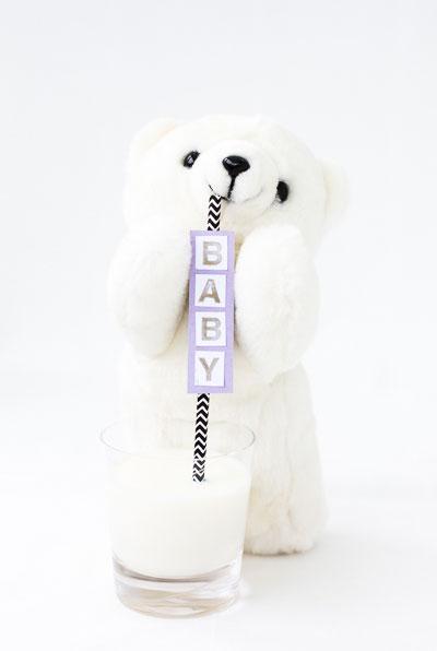 Nallebjörn med sugrör