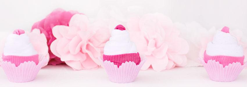 Cupcakes av babykläder