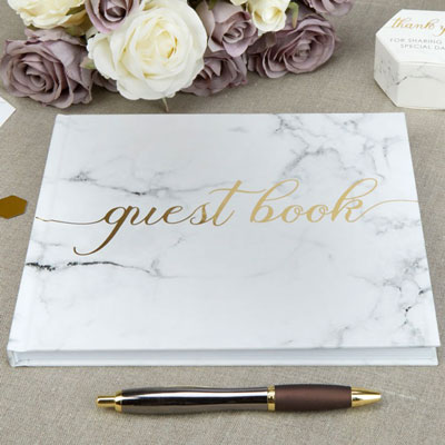 Gästbok med marmormönster