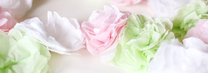 Vik enkla blommor av servetter