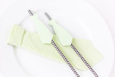 Sugrör med slips