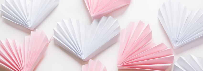 Vik ett fint hjärta i papper