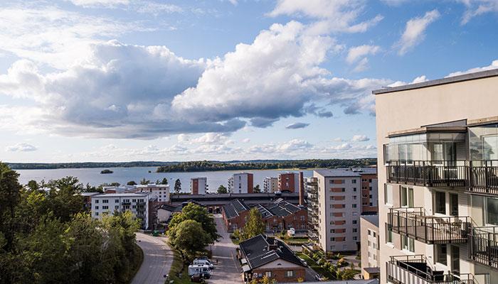 utsikt från inglasad balkong i Stockholm