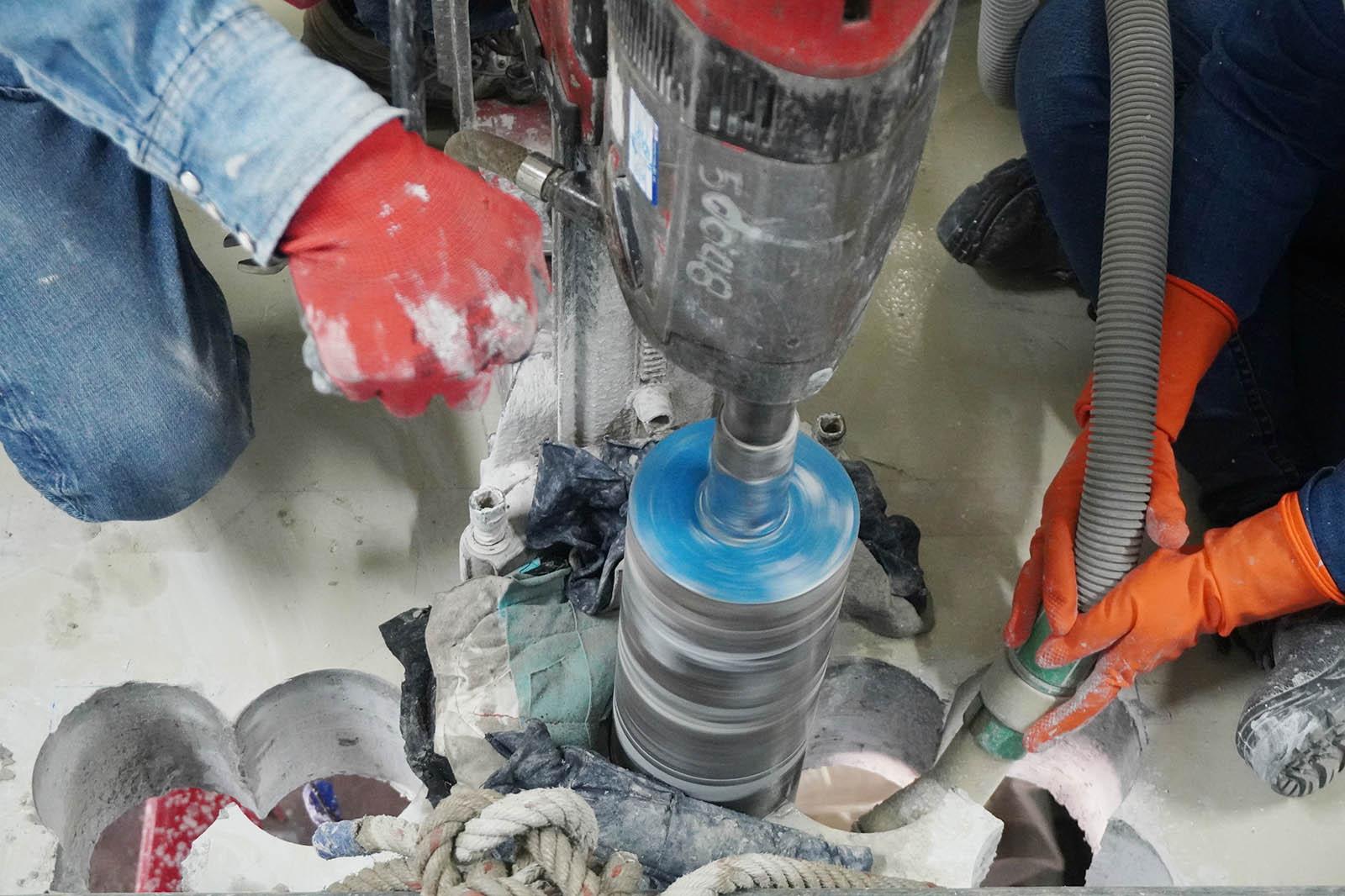 Som ett väletablerat företag inom betonghåltagning i Stockholm är vi självklart utrustade med erfarna betonghåltagare och moderna maskiner med den bästa tekniken.