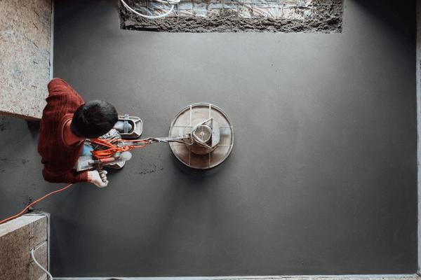 Slipa betong golv