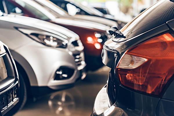 begagnade bilar hos bilhandlare västerås