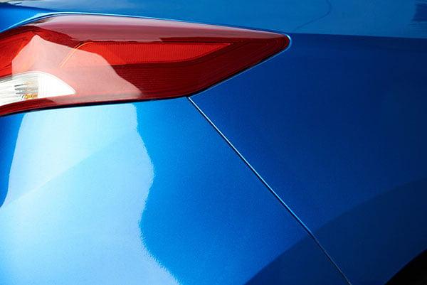 Blå bil billackering Stockholm