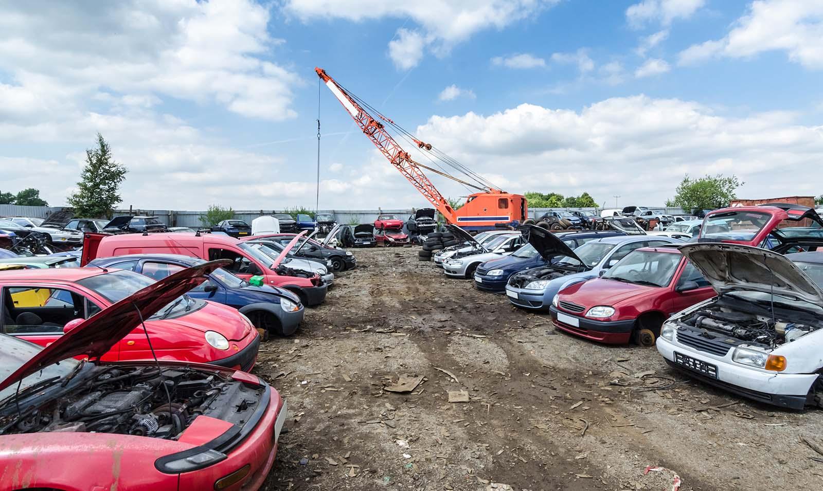 Dags att skrota bilen? Kontakta oss på bilskrot i Östergötland. Vi är er bilskrot i Östergötland.
