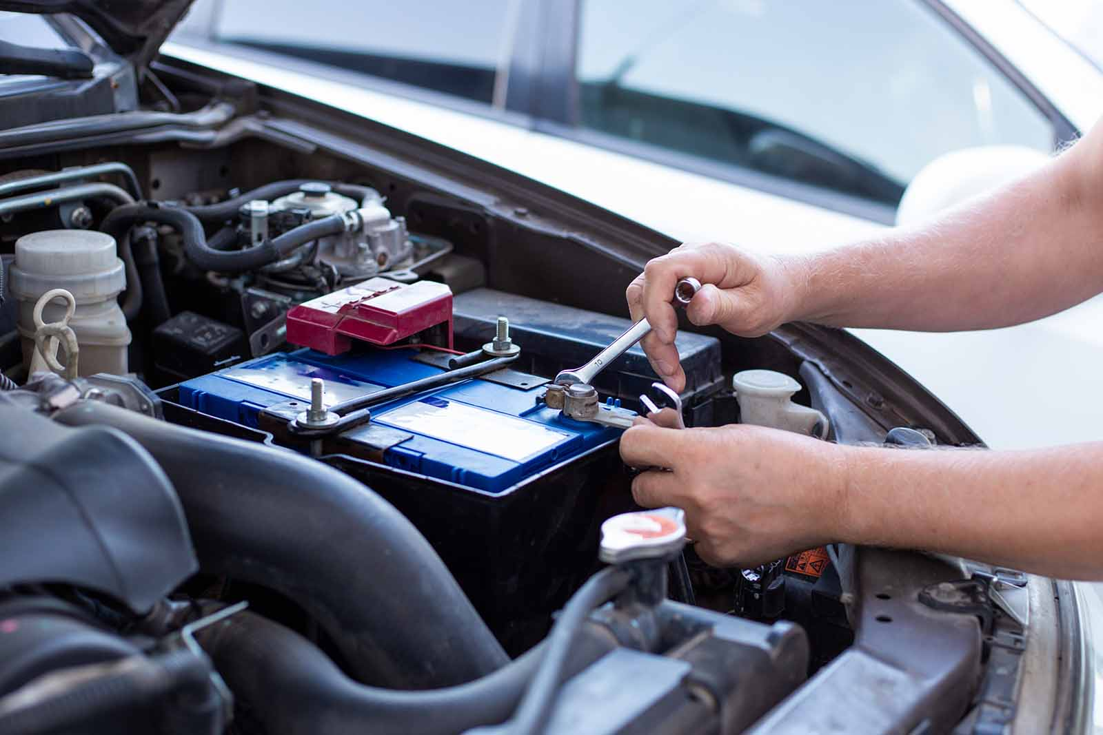 Kontakta oss, en bilskrot i Västerås som även säljer bildelar. Kontakta vår bilskrot i Västerås.