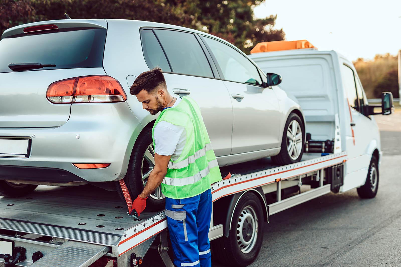 Kontakta vår bilskrot i Västerås för att skrota bilen. Vi är er bilskrot i Västerås.