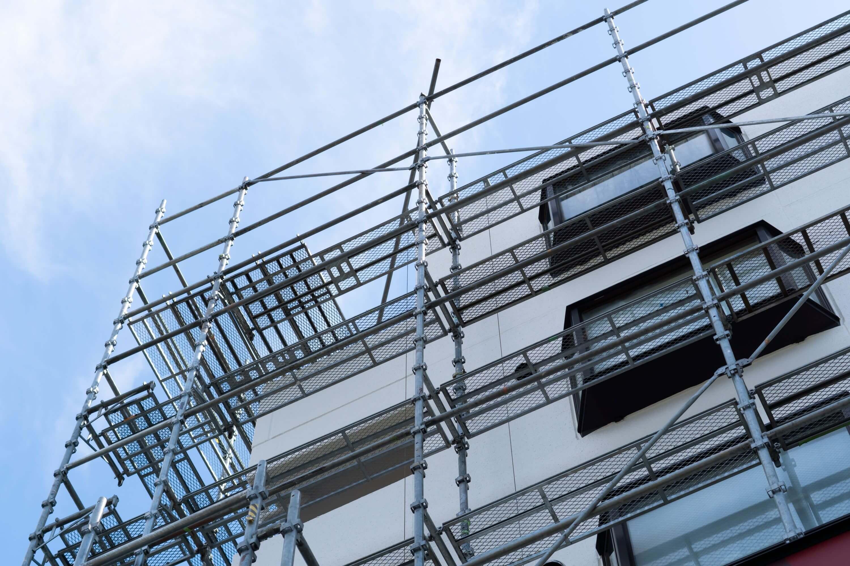 Vi hyr ut trygga byggställningar