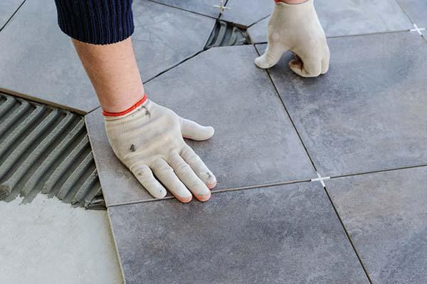 Lägg nytt golv med sten från Höganäs