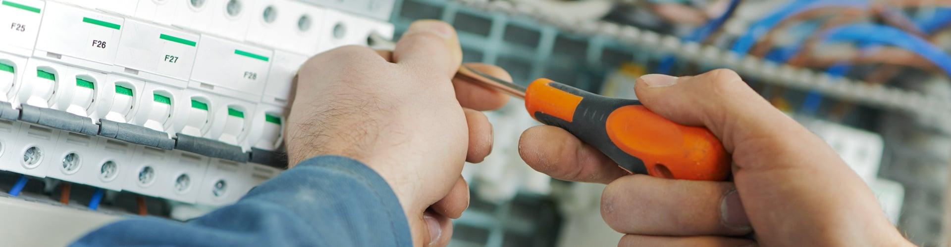 vad tjänar en elektriker