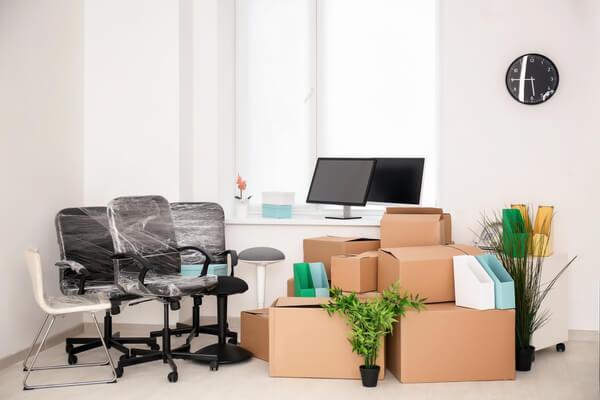 Packad kontor redo att flyttas