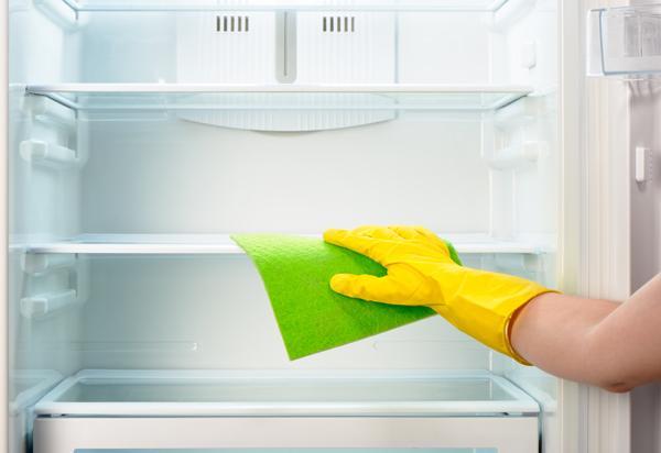 Rengöra kylskåp