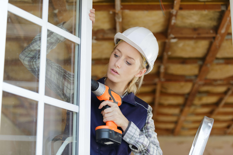 Vi byter och renoverar fönster