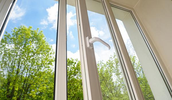 nyputsade fönster