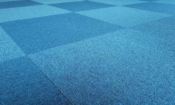 blått textilgolv
