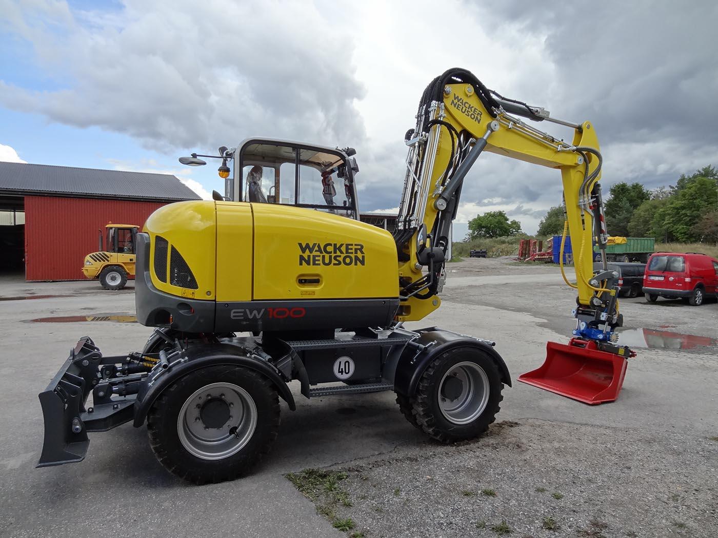 Hos oss hittar ni grävmaskin i Södermanland samt många andra maskiner. Hör av er för en grävmaskin i Södermanland!