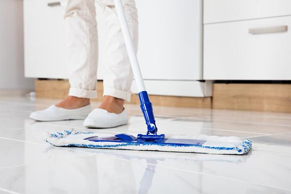 rent golv med hemstädning