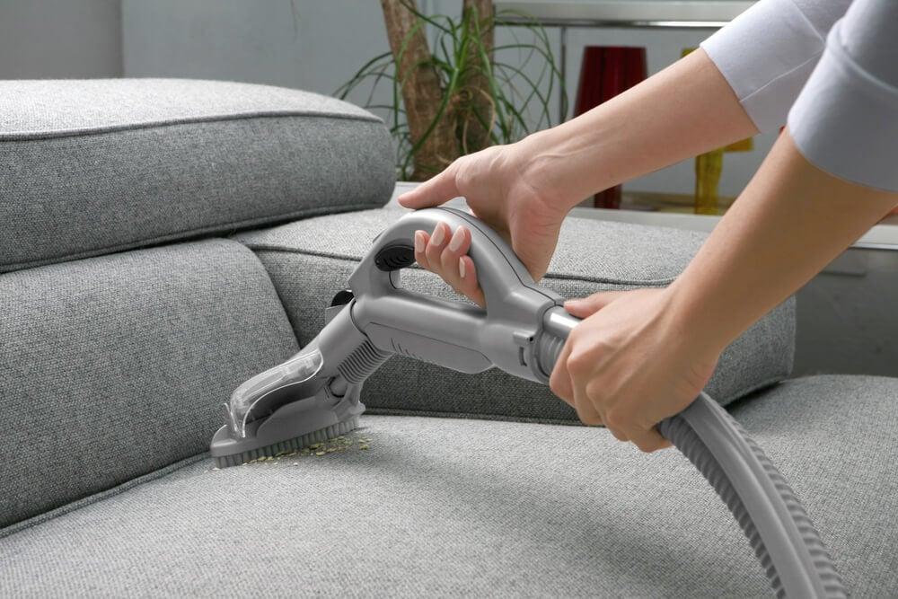 rengöra soffa