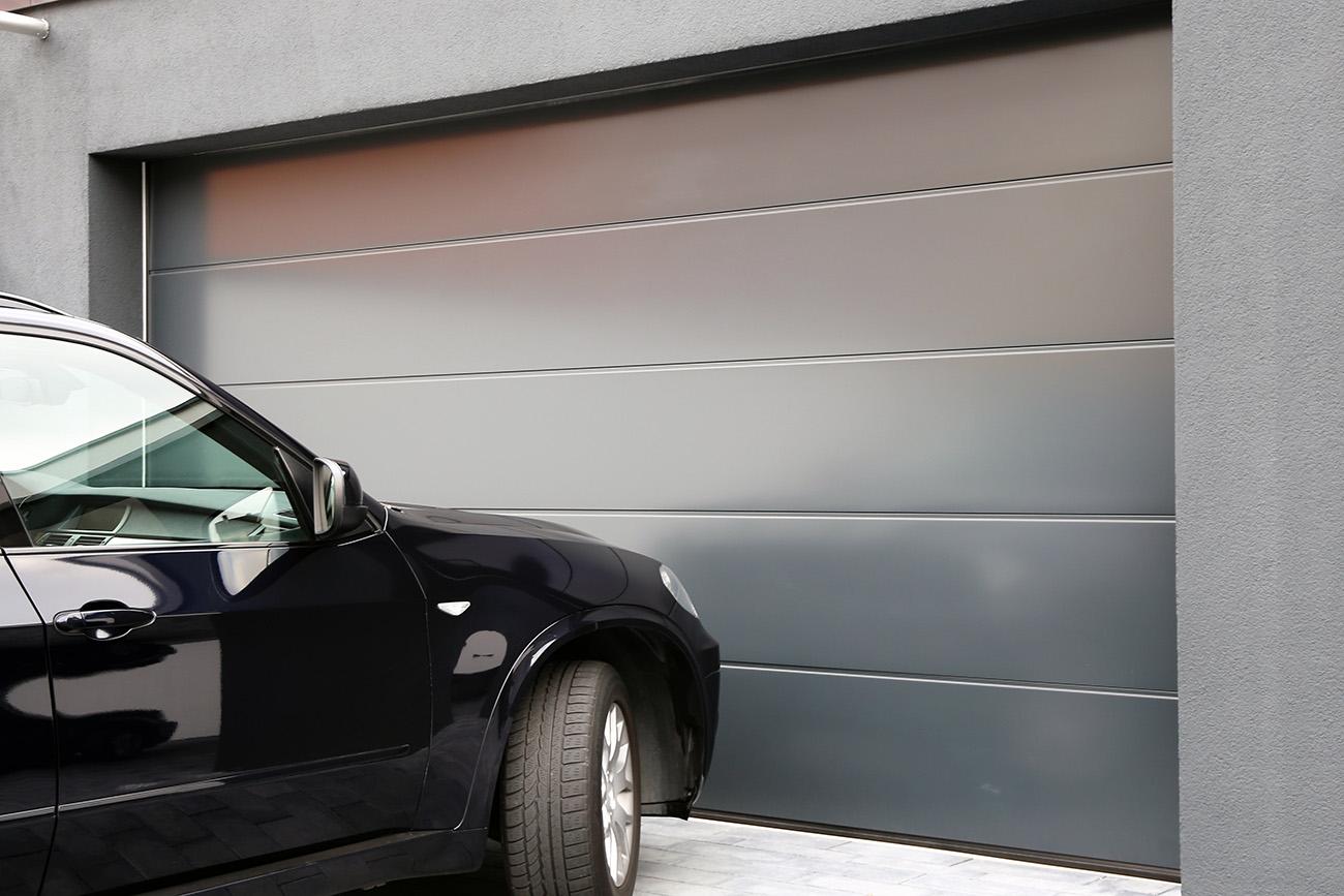 Vi är experter på garageportar och industriportar i Dalarna. Kontakta oss för garageportar.