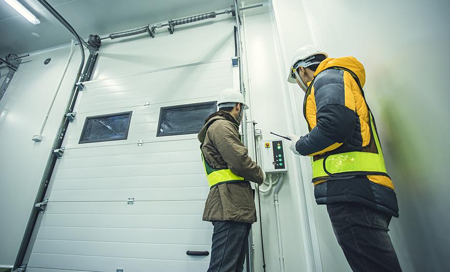 Kontakta oss för industriportar i Västerås