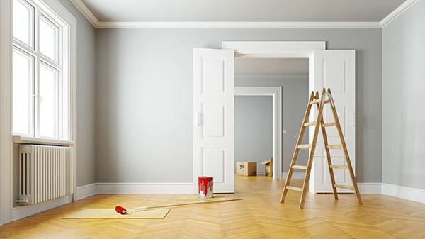 grå färg blev valet i när det målades lägenhet i Huddinge