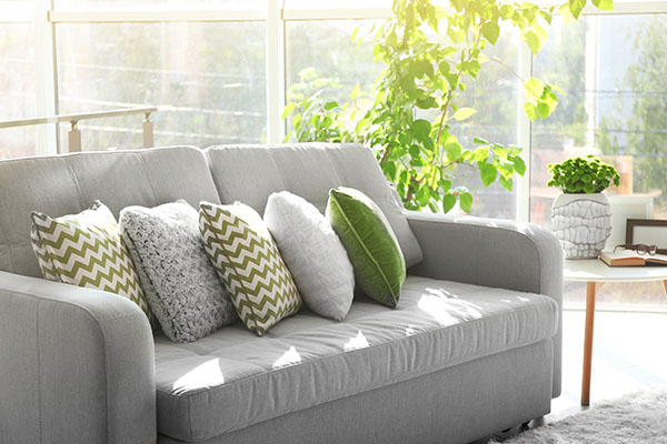 soffa i grönt i Hallonbergen