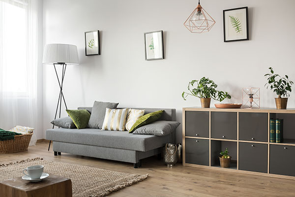 grå modern soffa i Hallonbergen