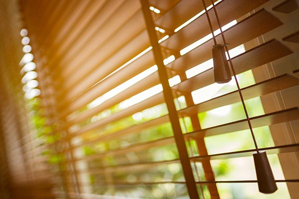 persienner skyddar mot insyn och solljus
