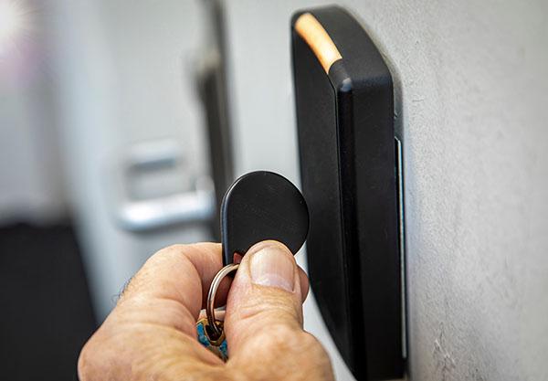 nyckelbricka passersystem BRF