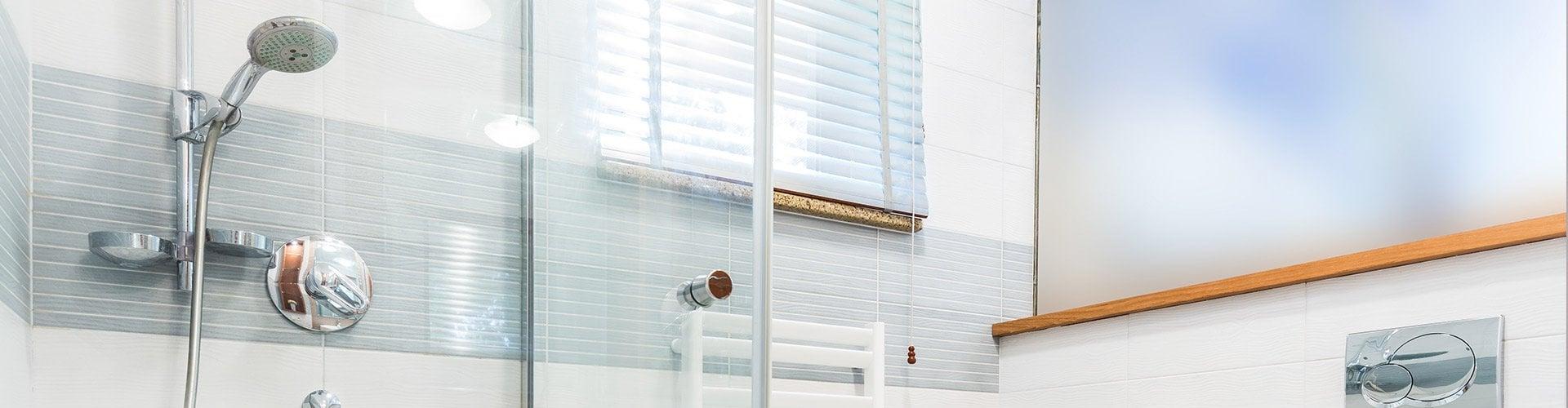 Badrumsrenovering Norrköping | Nytt badrum till bra pris : tätskikt våtrum : Inredning