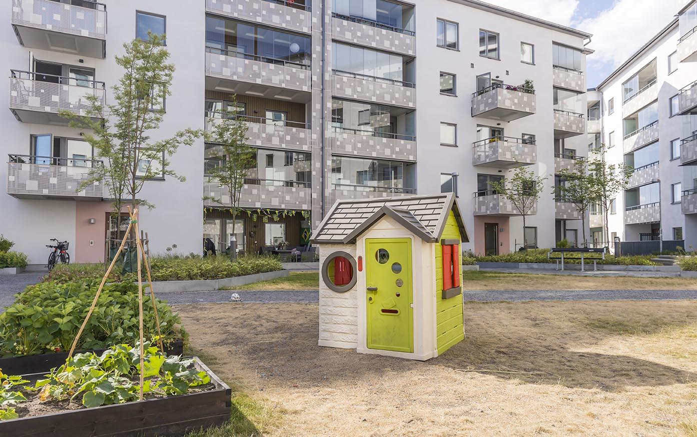 Vi renoverar innergård i Stockholm