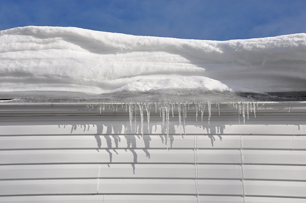 snö på tak