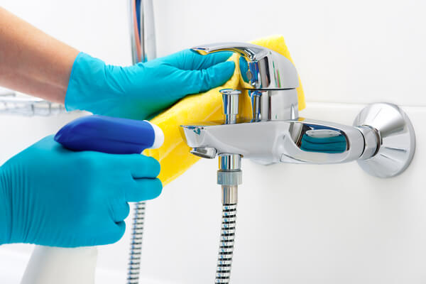 rengör badrummet