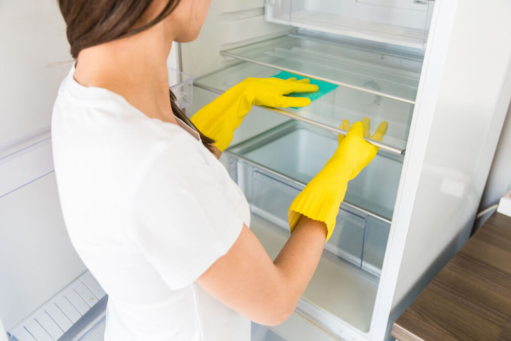 städa kylskåp