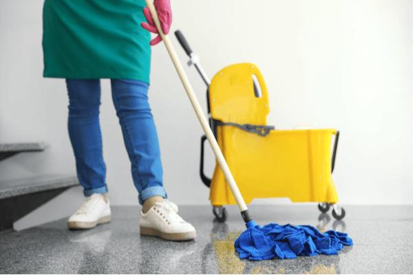 Moppa golvet