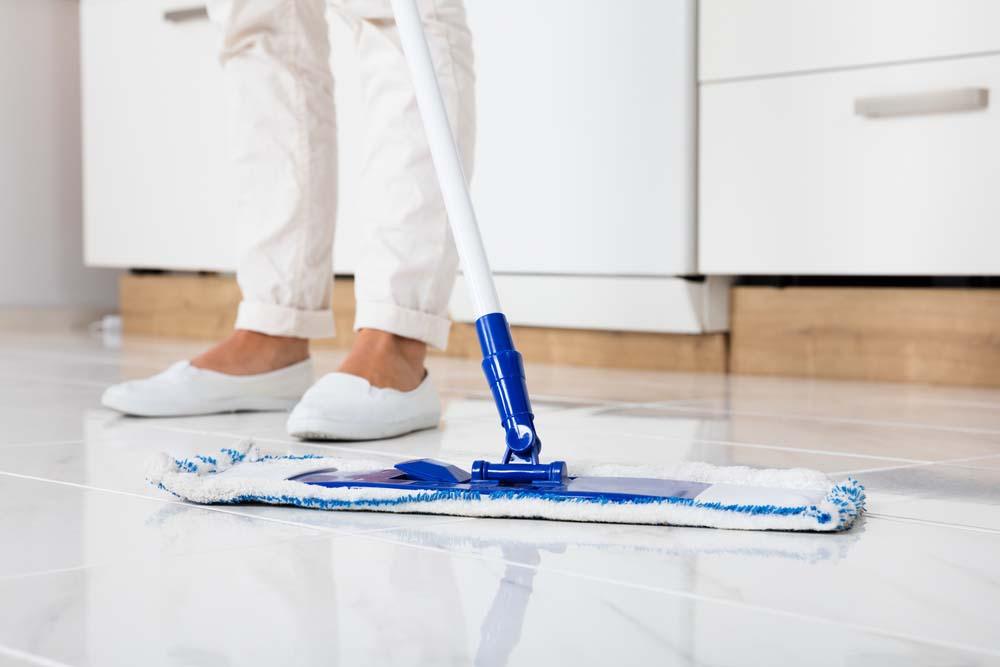 rengöra golv