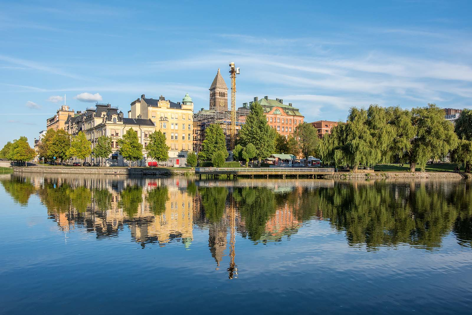 Stambyte i Norrköping utförs av vår kunniga personal. Vi erbjuder även asbestsanering.