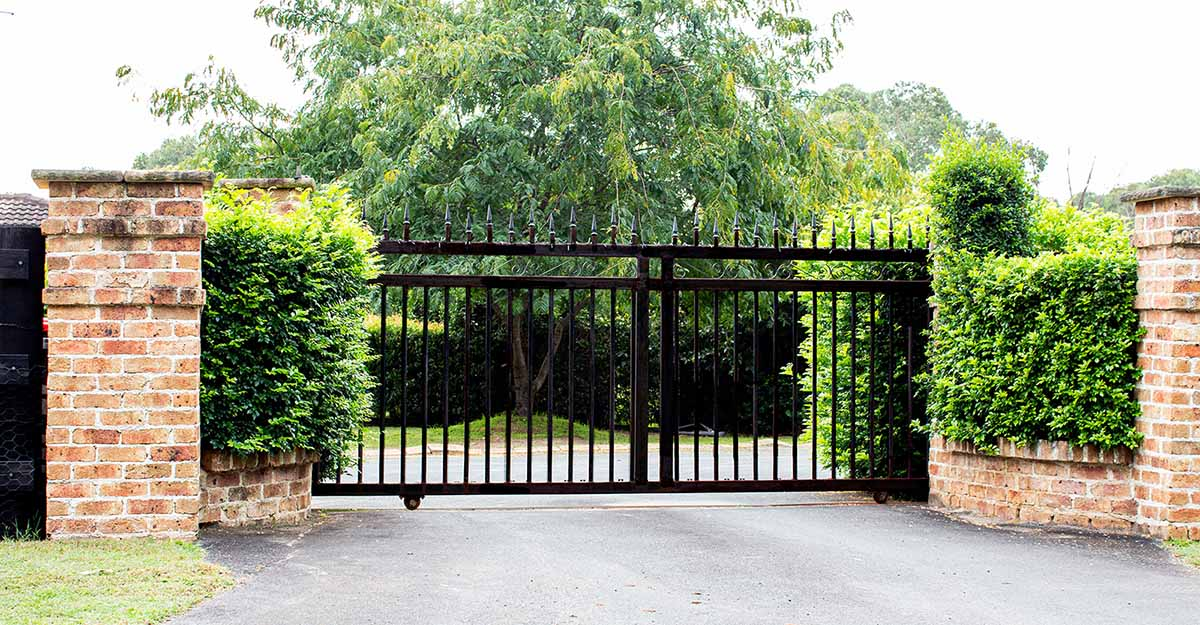 Vi tillverkar grindar i Skåne till ditt företag.