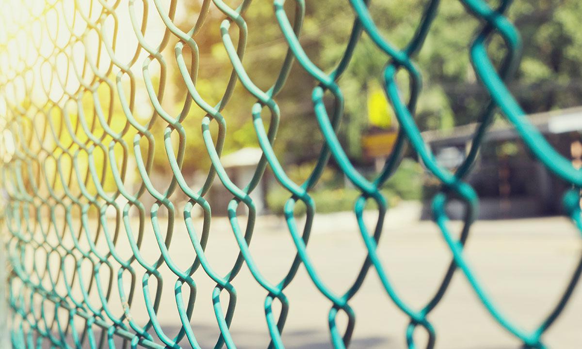 Anlita oss för grindar i Skåne. Vi levererar och monterar dem åt er.