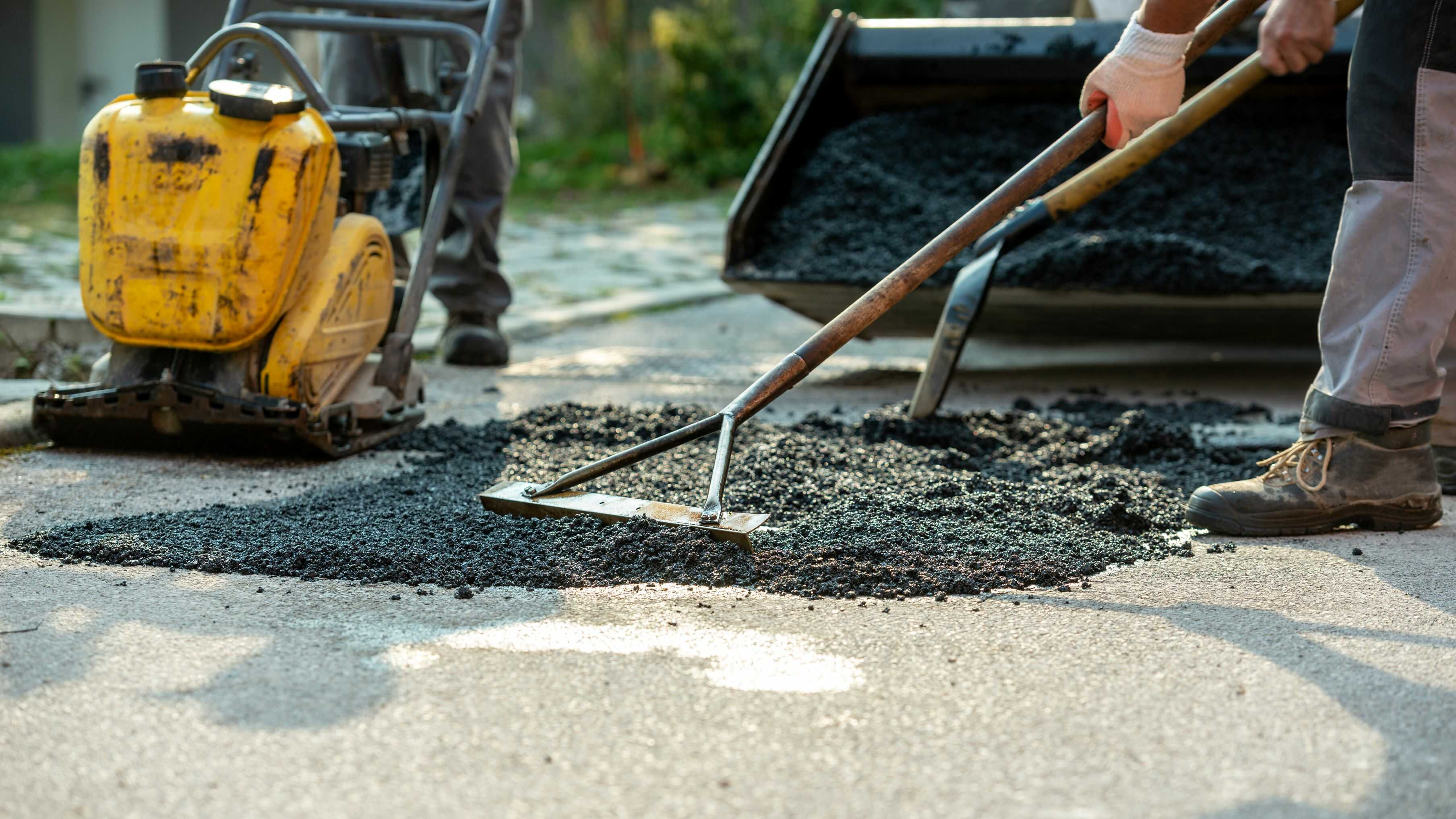 Vi asfalterar också ytor i Stockholm