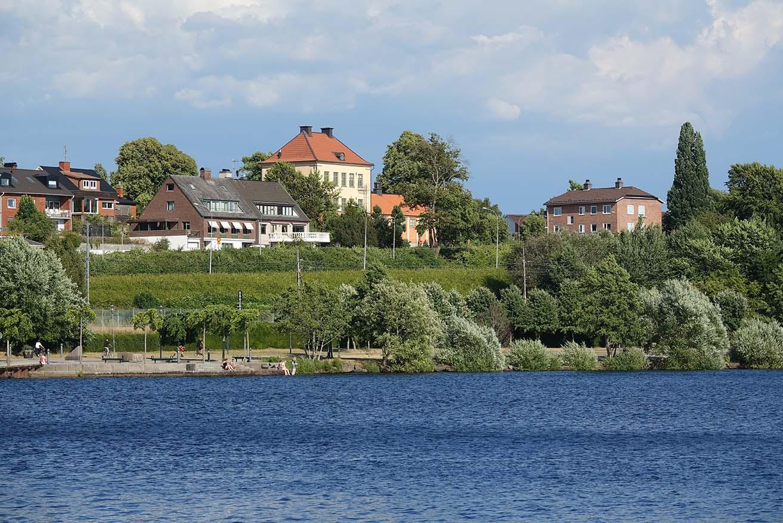 Våra takläggare i Växjö älskar att jobba med växjöbornas tak, som är vid Växjö sjö.