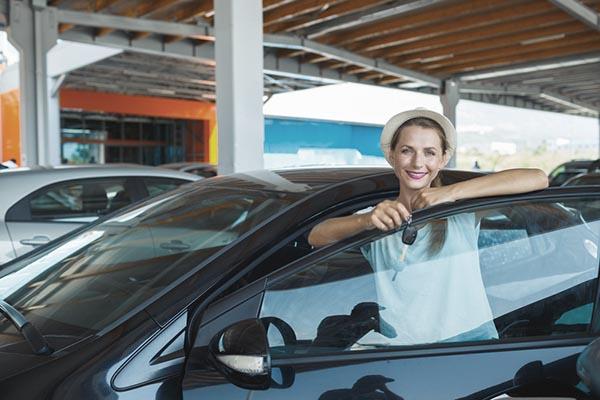 glad säljare av bil